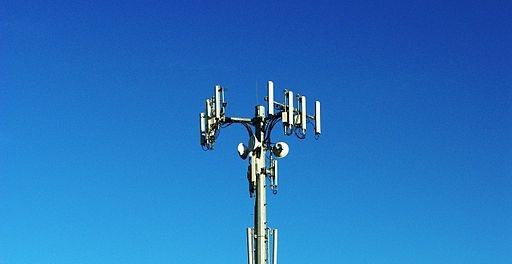 Cell_tower_on_Sexton_Mountain_-_Beaverton,_Oregon2